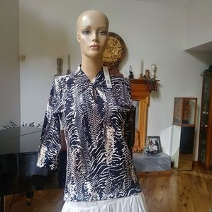 August Silk. Medium. Knotted collar. NWT $58